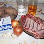 Продукты для приготовления бараньих ребрышек с картошкой