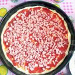 Пицца в домашних условиях с колбасой