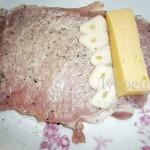 Свинина с чесноком и сыром